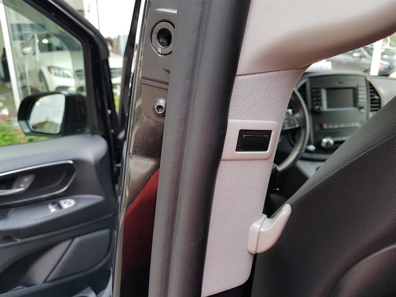 Certified Pre-Owned 2018 Mercedes-Benz Metris Metris Passenger Van