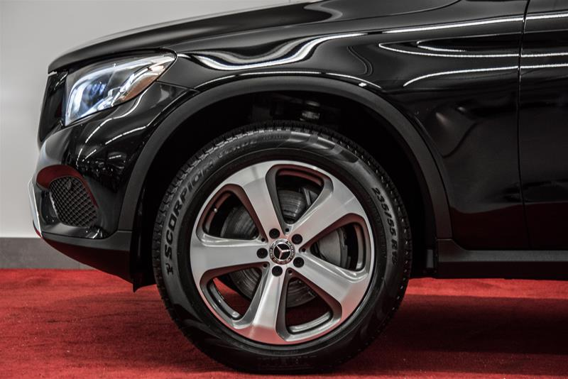 Pre-Owned 2018 Mercedes-Benz GLC GLC300