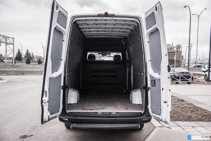 Pre-Owned 2015 Mercedes-Benz Sprinter 2500 Cargo Sprinter 2500 Cargo 170