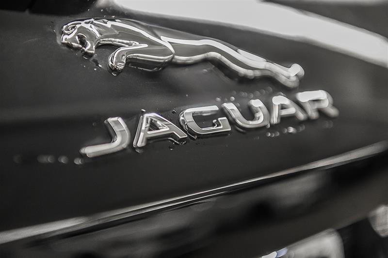 Pre-Owned 2018 Jaguar F-PACE F-PACE