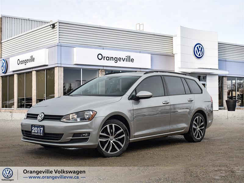Certified Pre-Owned 2017 Volkswagen Golf Sportwagen